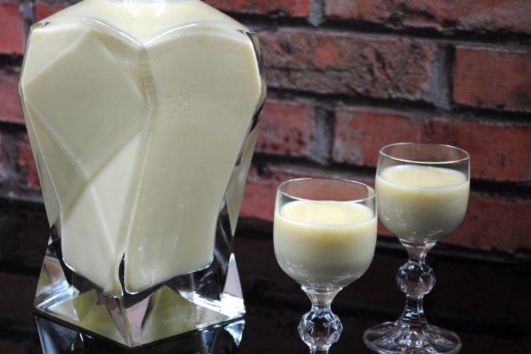 Biała dama – czyli likier z białej czekolady