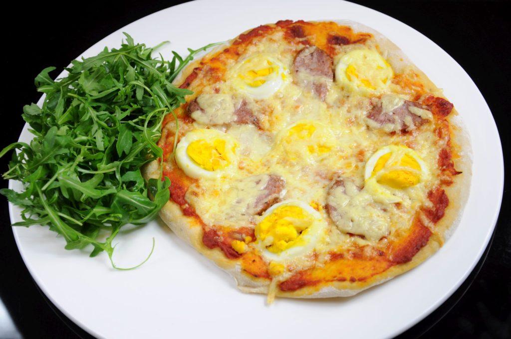 pizza z jajem_m