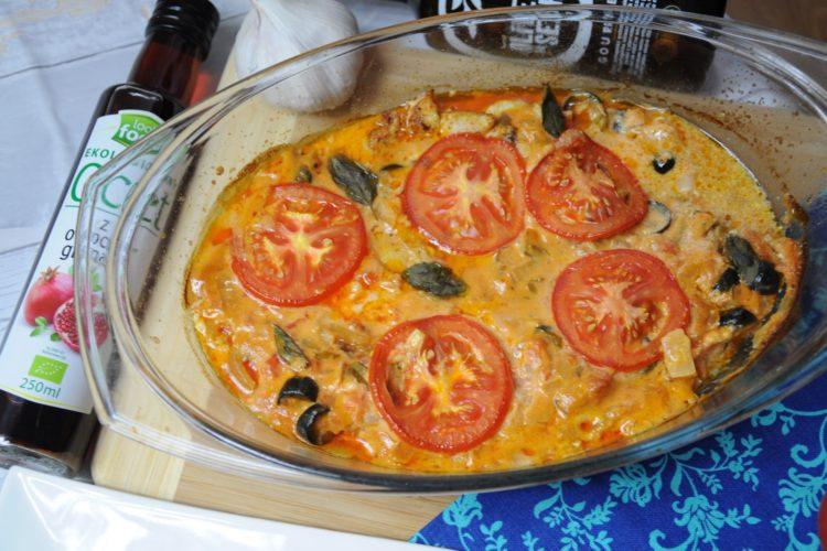 Kurczak w sosie pomidorowo-bazyliowym z mascarpone