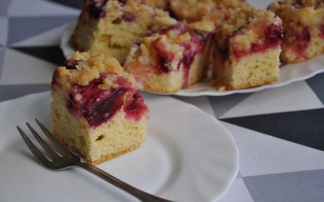 Szybkie ciasto ze śliwkami i kruszonką