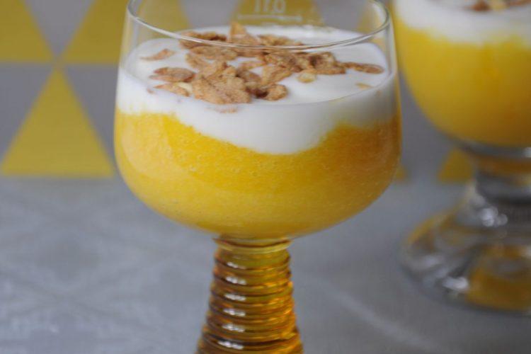 Ekspresowy deser brzoskwiniowy – tylko 3 składniki
