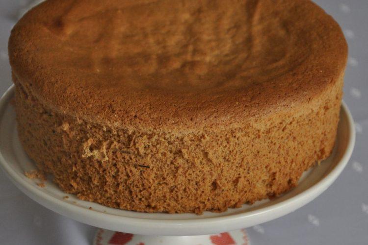 Biszkopt orzechowy idealny na tort