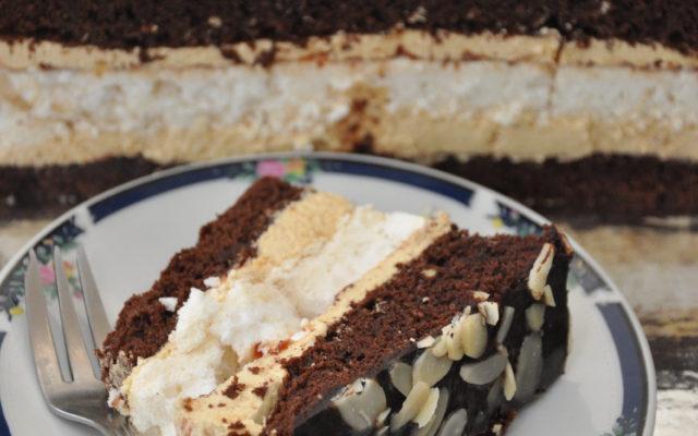 Ciasto czekoladowe z bezową chmurką